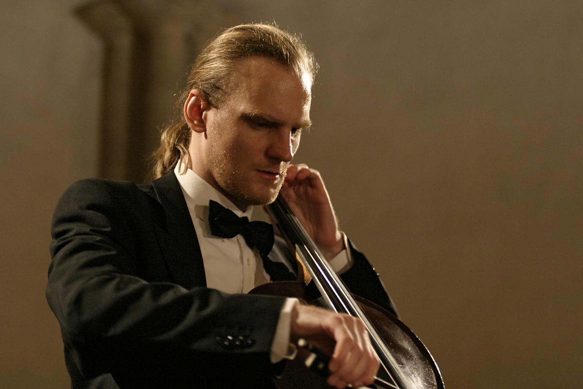 Cello Recital in the historic Victoria Line Carriage