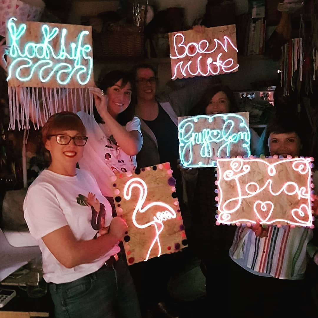 Neon Sign Workshop with Twin Made at Craftworks
